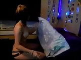 18 year old emo girlfriend gives blowjob on home sex tape
