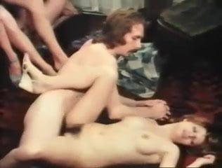 SEXY CORA wird in den Arsch gefickt und besamt 95%