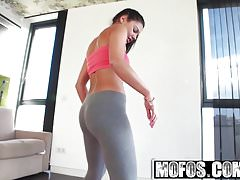 Mofos - Lets Try Anal - Apolonia - Yoga Latina Post-Shower A