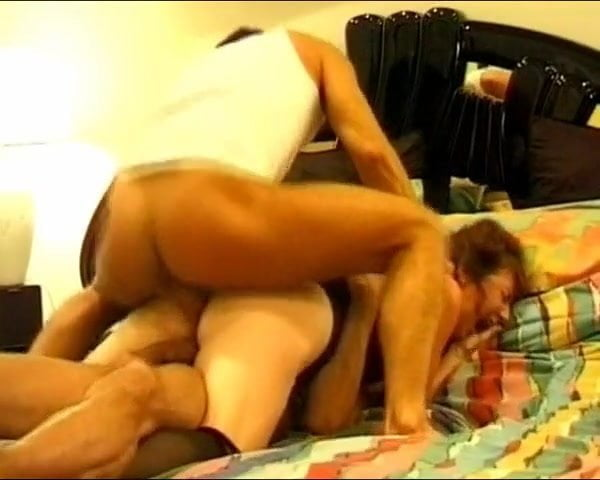 Mature Lady fuck two Thief's