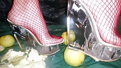 Lady L crush apples clear mules.