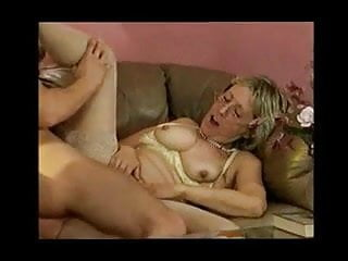 Download video bokep Grandma Has Sex With Her Young Grandson Mp4 terbaru
