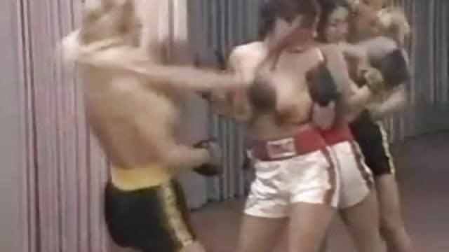 Lesbo nyrkkeily porno