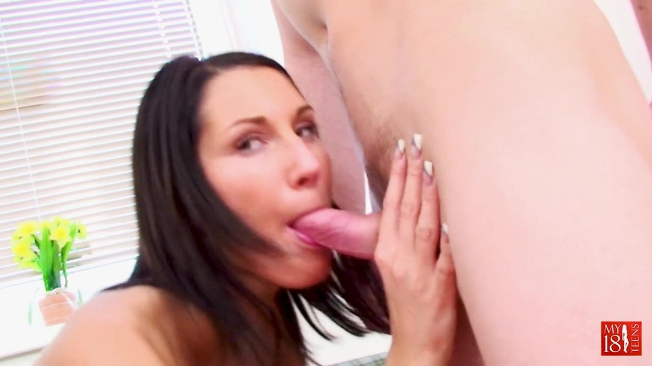 Young Girl Blowjob and Riding on Huge Cock BF