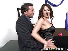 Brazzers - Baby Got Boobs -  Boobie CUNTestant scene starrin