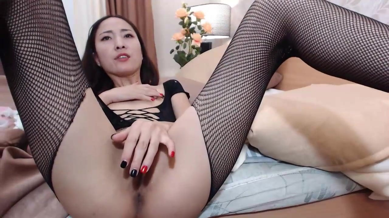 Asian MILF in Stockings cums and squirts