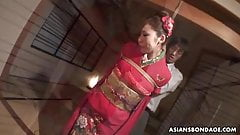Azusa Uemura is having the best threesome ever with friends