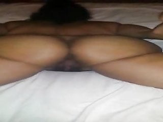 Latin chick shaking her ass