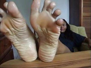 ebony mature wrinkled wet soles