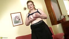 Euro mother with sexy fat body