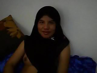 Download video bokep TUDUNG HITAM NEW Mp4 terbaru