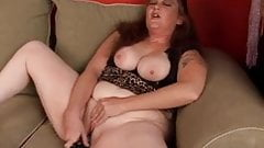 Cute ginger plumper loves to work her juicy pussy for you