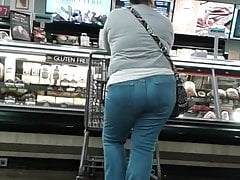 Mature latina at supermarket pt.2