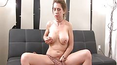 Amateur Milf Toying Her Tight