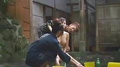 エロ 素人 乱 交 八頭身美女 渋谷熟女デリヘル おすすめ 動画 アダルト