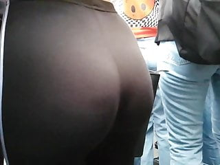 Candid Curvyy Teen Pawgg in leggings!! pt3