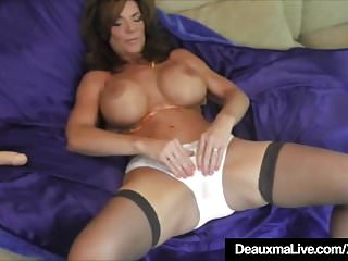 Video bokep online Hot Cougar Deauxma Squirts A Puddle After Dildo Banging Twat 3gp