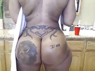 ebony phat booty showertime