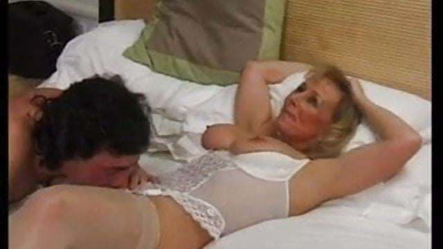 real amateur milfs masseuse
