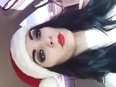WWE - Paige is dreaming of a white Christmas