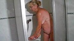 Bea duscht