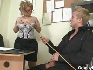 He fucks mature office bitch