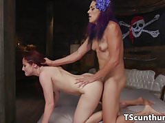 Fantasy transgender pussylicks pirate babe