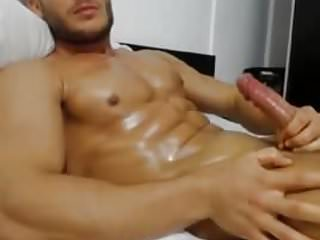 muscle boy on cam jerking, fucking his toy and cumming