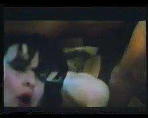 Una Novizia Nel Porno Harem (1985)