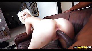 Sexy Blonde goes Black