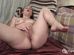 Yanks Cutie Lou Lebonne Plays With Her Pussy
