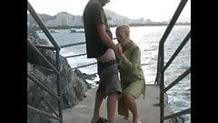 Je baise une inconnue devant des voyeurs