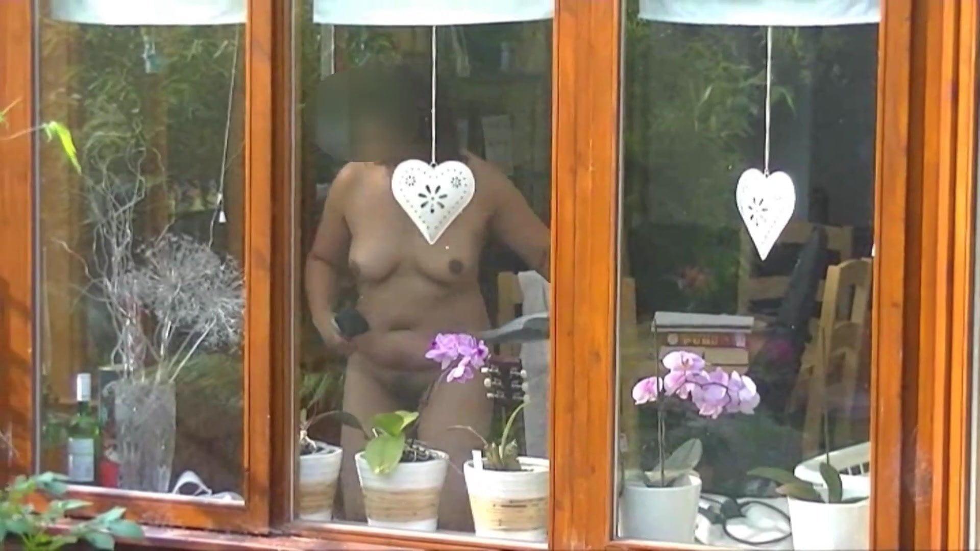 girlfiend-free-vids-flashing-neighbors-lesbian