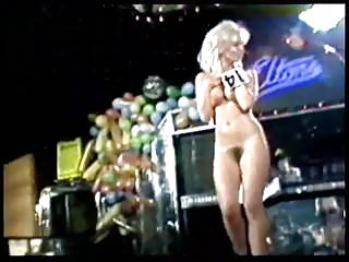 candy davis vs. slade - miss nude contest 1982