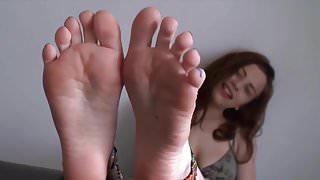Luna Vera feet (:
