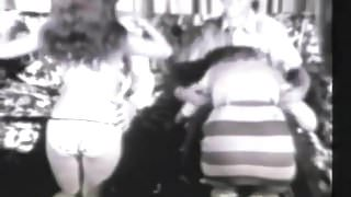 Two Perky Babes Making a Hot Blowjob (1960s Vintage)