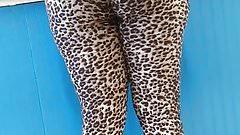 Leopard leggings at the laundromat