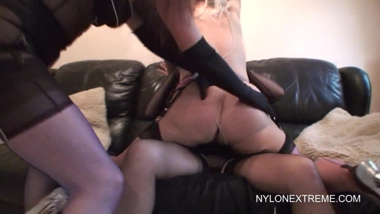 Erotic Photos Man fucks drunk girl