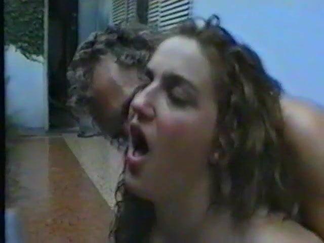 Free moms erotic handjobs clips