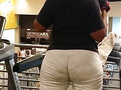 Big ol phat treadmill booty