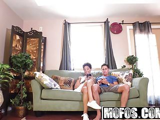 Mofos - Ebony Sex Tapes - Honey Gold - Facesitting Apology a