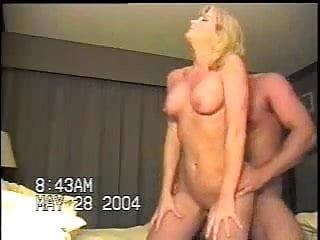 Mature couple fuck in a motel room.