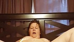 Bbw rubs clit and moans loudly to a massive orgasm