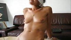 Christine offerte et soumise en dogging