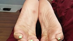 Latina Green Toes JOI
