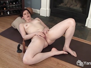 Yanks Brunette Savannah Sly's Eroscillator