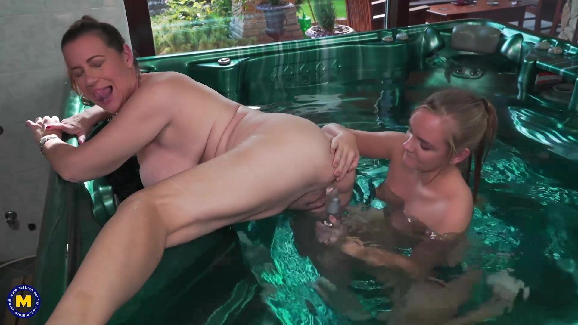 Mother and daughter intercourse in jacuzzi