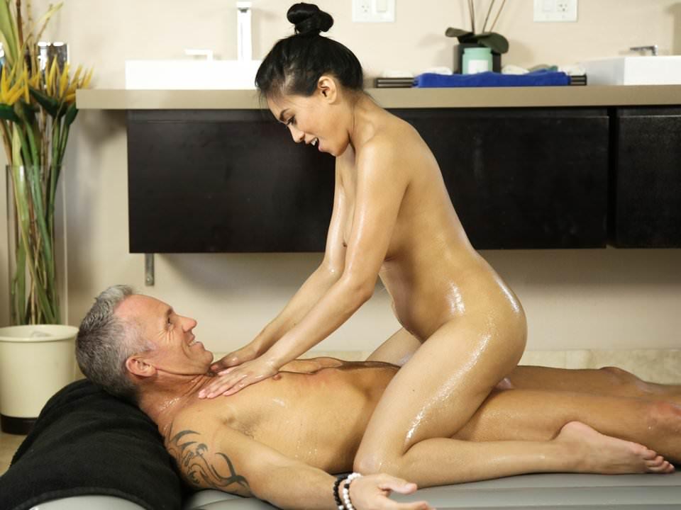 смотреть онлайн массаж для тети - 5