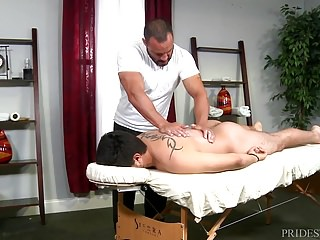 Injured Jock Dicks Hot Daddy Masseur On Massage Table