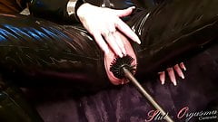 Slave Slut-Orgasma Celeste Latex-Catsuit toiled brush fuck